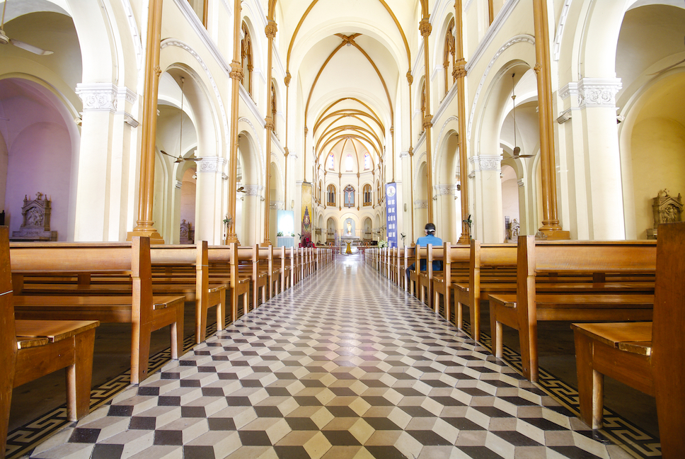 interior and ceiling of historical building saigon notre dame basilica in ho chi minh city vietnam HwYo8ld2zl